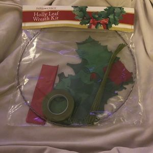 Paper Source  Holy Leaf Wreath Paper Kit
